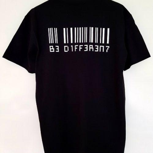 Be Different T-shirt (Zwart)